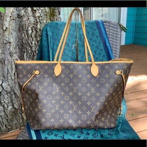 💋Louis Vuitton 💯 GM Neverfull large tote🛍